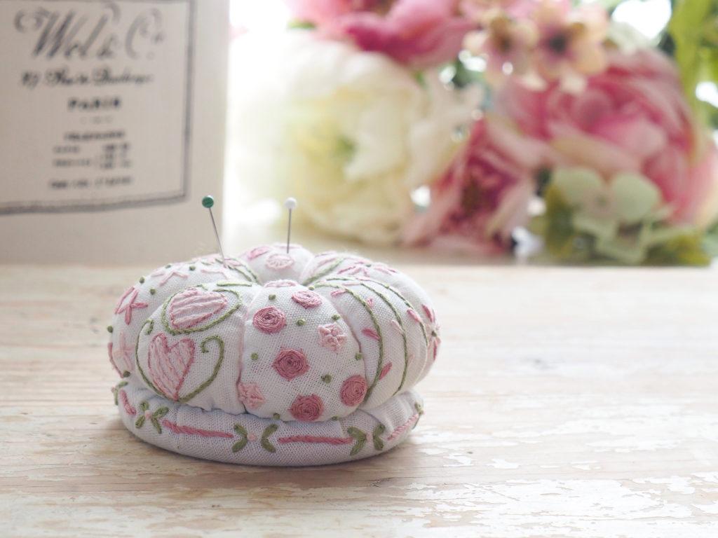アンシャダンレギュイユ 刺繍キット ピンクッション